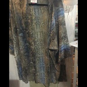 Sweaters - Snakeskin print Plus size Kimono/cardigan